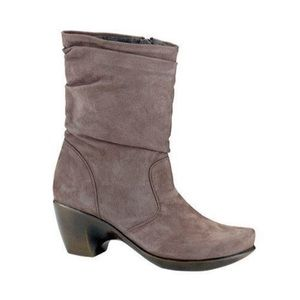 Naot Modesto booties taupe leather size 10 slouch